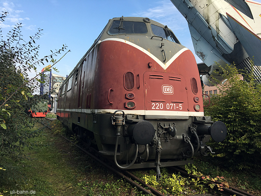 DB | 220 71-5 | Technikmuseum Speyer | 23.10.2016 | (c) Uli Kutting