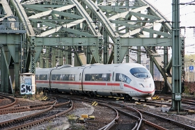"DB AG | 403 053-2 | ""Hansestadt Lübeck"" | Köln Hbf | 29.10.2015 | (c) Uli Kutting"