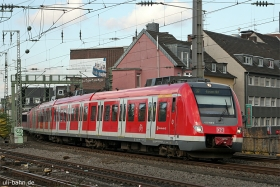 DB AG | 422 058-8 | Köln Hbf | 29.10.2015 | (c) Uli Kutting