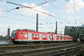 DB AG | 423 300 | Köln Hbf | 29.10.2015 | (c) Uli Kutting