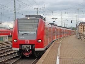 DB AG | 425 100-5 | Koblenz Hbf | 15.08.2007 | (c) Uli Kutting
