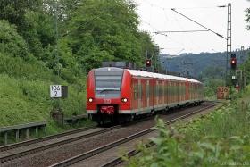 DB AG | 425 108-8 | Rheinbreitbach | 19.06.2015 | (c) Uli Kutting