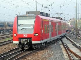 DB AG | 425 124-5 | Mainz Hbf | 27.11.2006 | (c) Uli Kutting