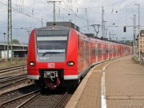 DB AG | 425 597-2 | Koblenz Hbf | 11.07.2007 | (c) Uli Kutting