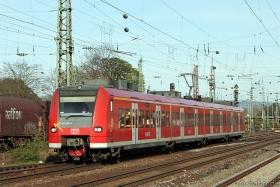 DB AG | 425 600-4 | Neuwied | 14.04.2015| (c) Uli Kutting