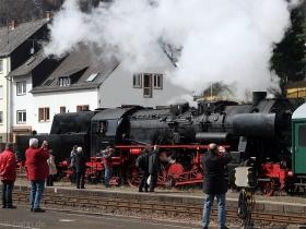 DB | 52 8134-0 | Gerolstein | 4.04.2010 | (c) Uli Kutting