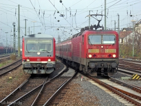 DB | 628 467-3 | 143 905-8 | Mainz Hbf | 27.11.2006 | (c) Uli Kutting