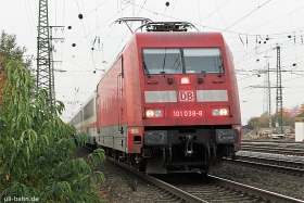 DB AG | 101 038-8 | Koblenz-Lützel | 30.10.2015 | (c) Uli Kutting