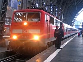 DB AG | 111 192-1 | Frankfurt Hbf | 16.12.2009 | (c) Uli Kutting